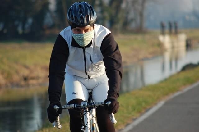 How to combat the cold on your bicycle?