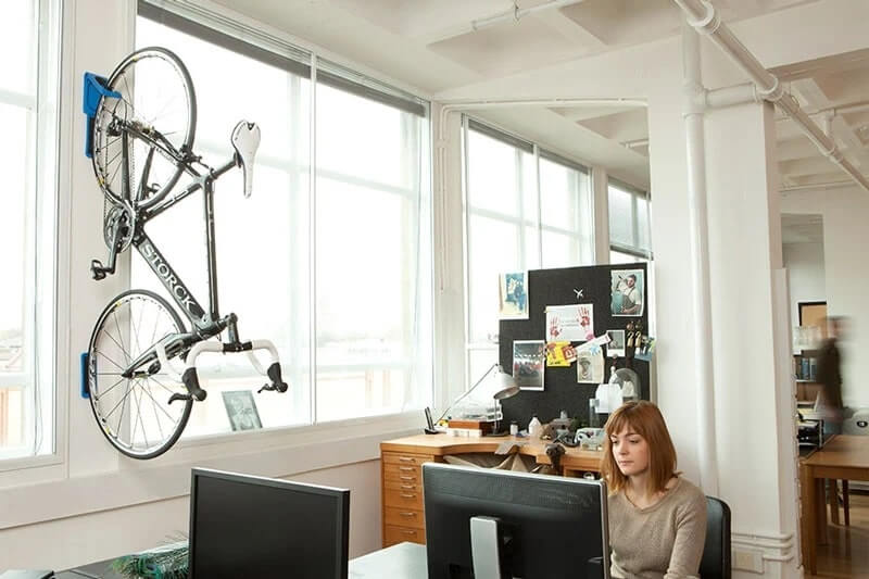 hang bicycle in office