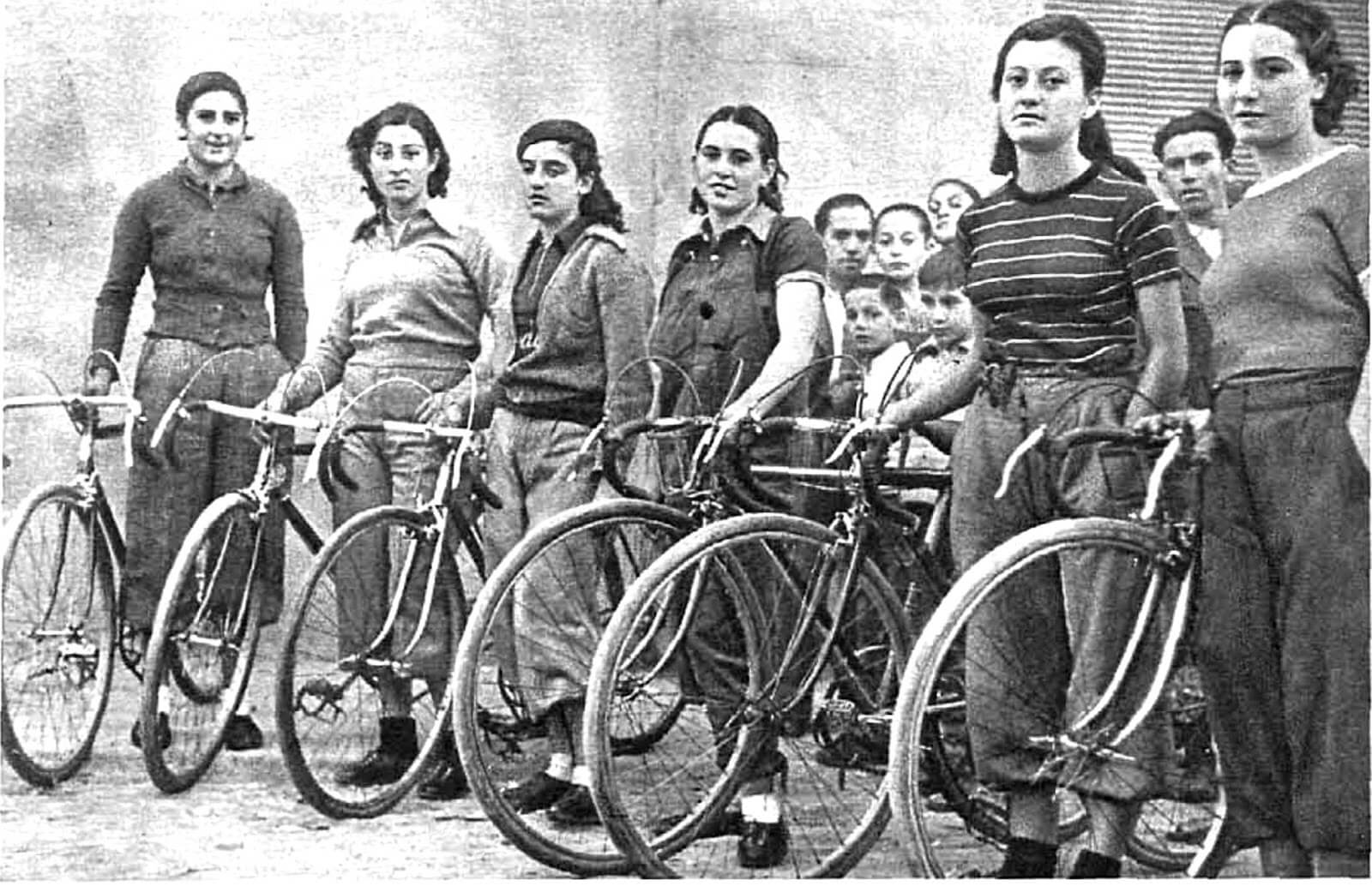 history of women cyclists