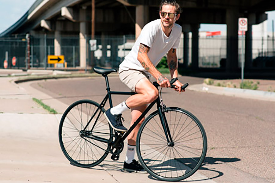 State Bicycle Co. 4130 Core Line Fixie / Singlespeed Fahrrad - Matte Black 6.0  5
