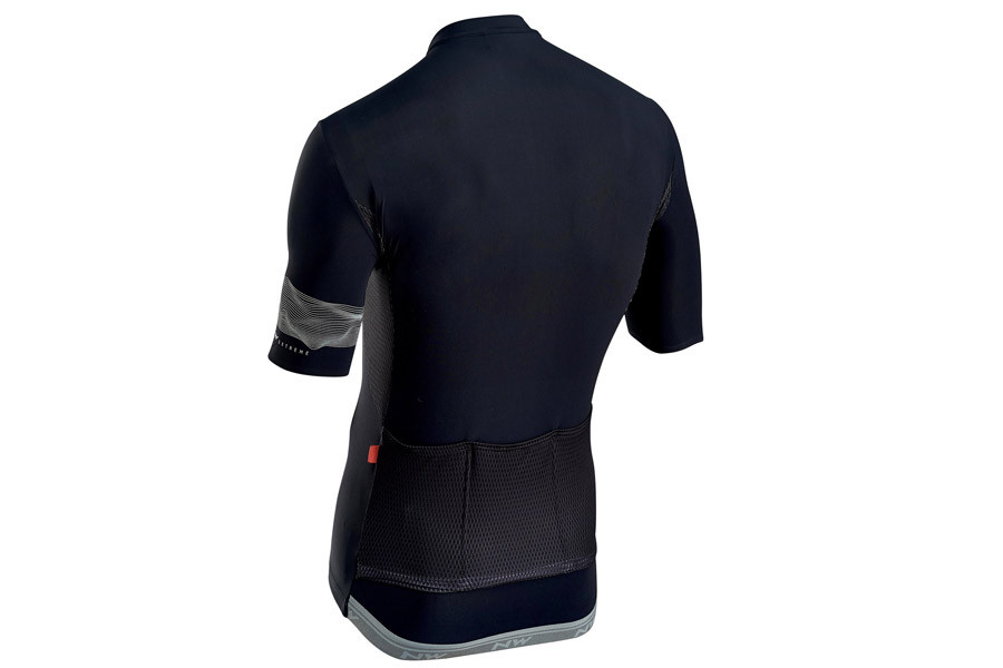 Buy Northwave Extreme 3 cycling jersey in black. c0f8b4dcd